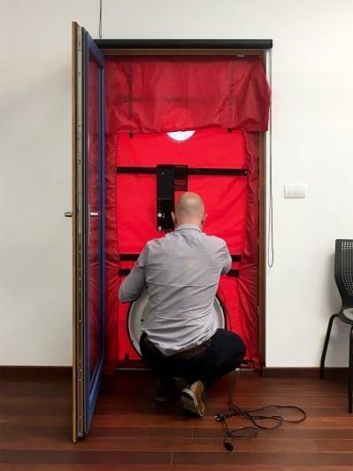 A Blower Door Test Demonstration