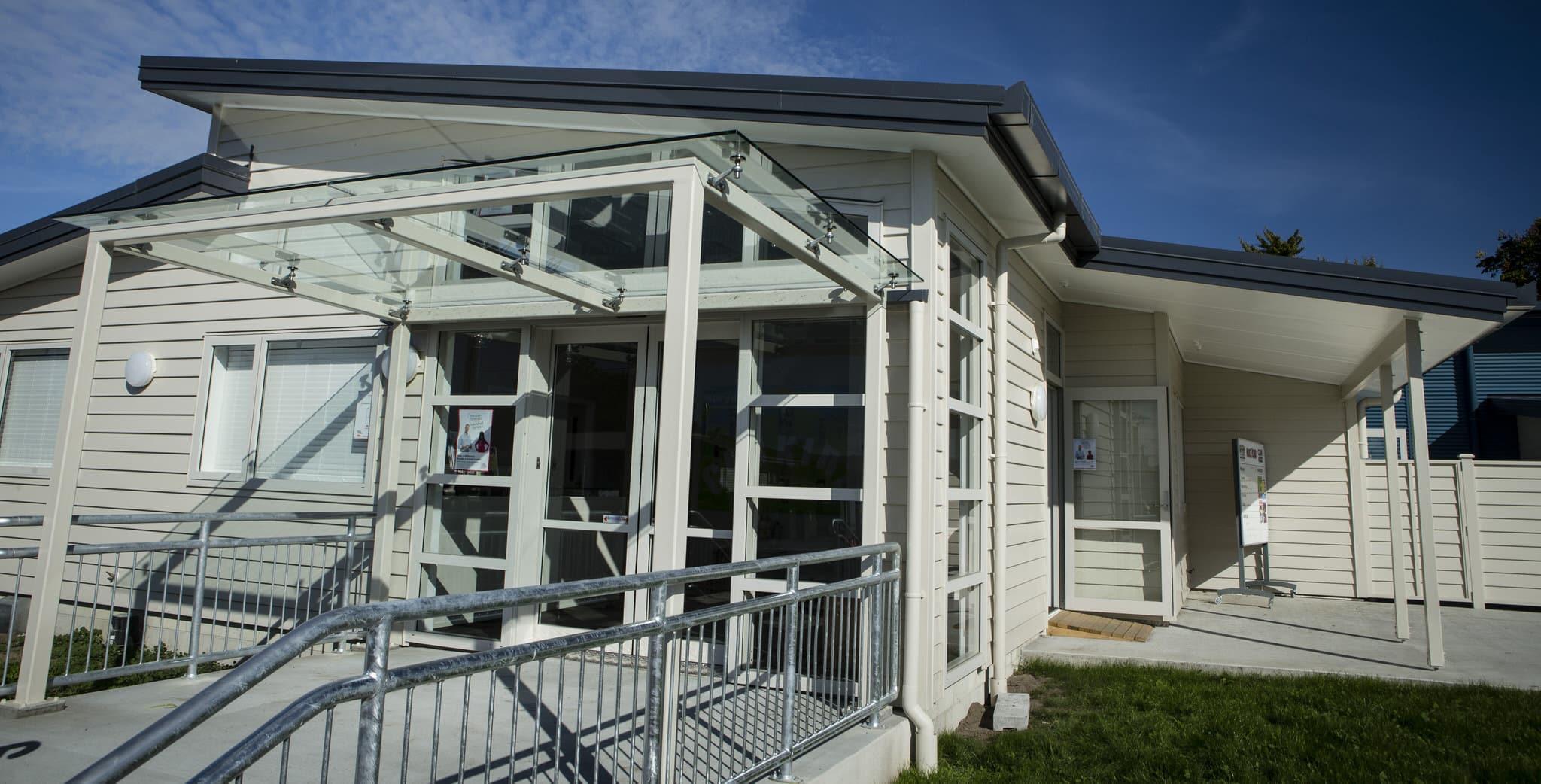 Henry Hill School - Exterior 2