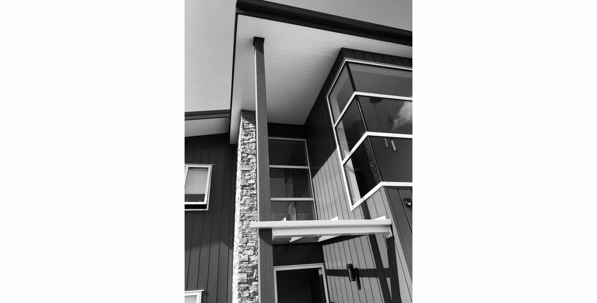 Maraetai House - Exterior b&w 3