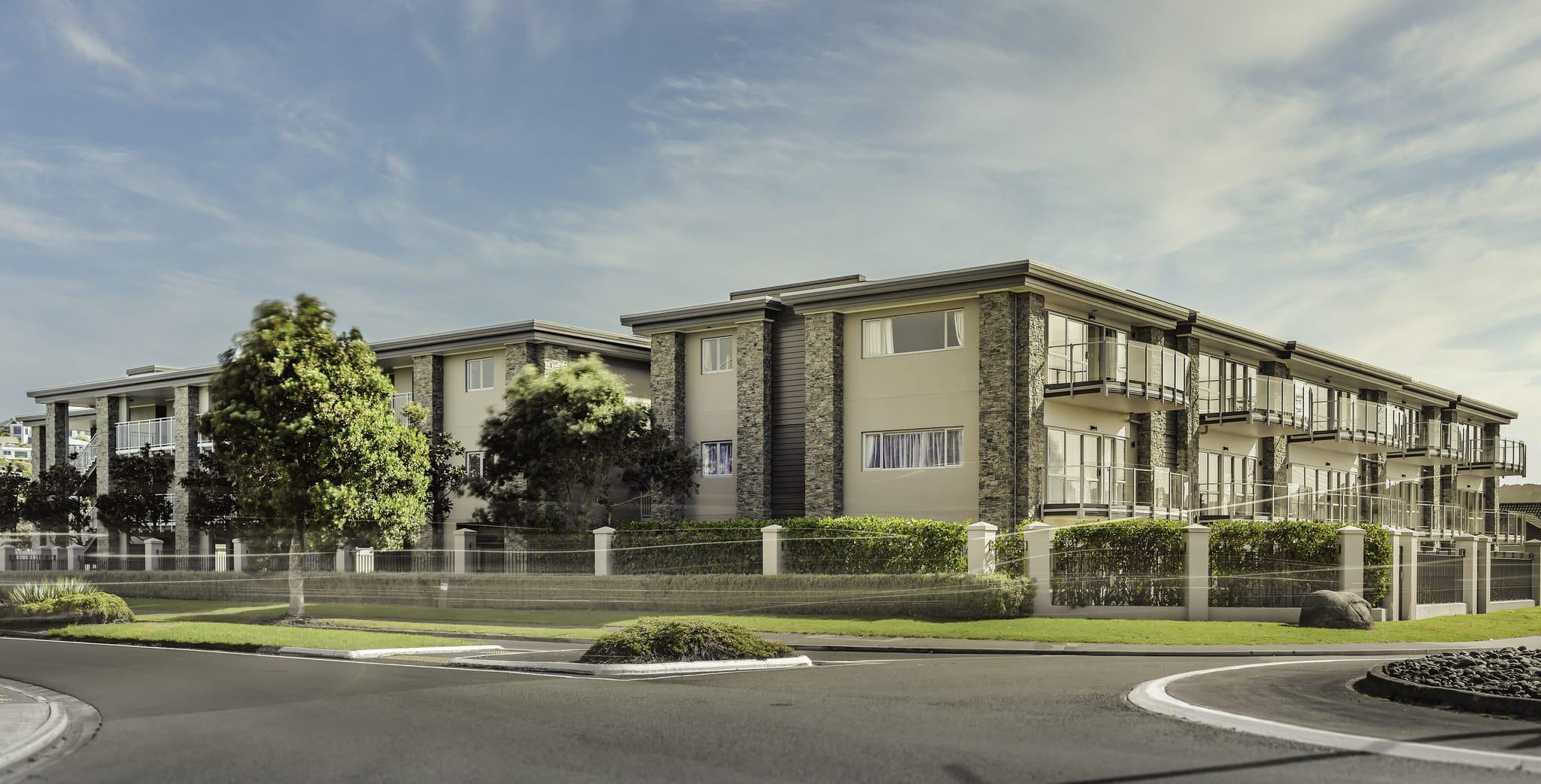 Orewa Grand Apartments - External 1