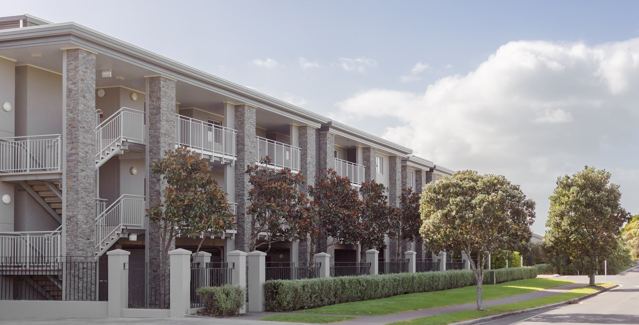 Orewa Grand Apartments - External 3
